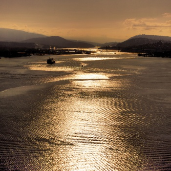 Sunrise over Vancouver Harbour by Evan Leeson
