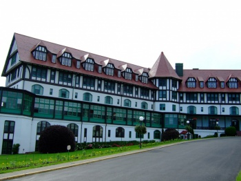 Algonquin Hotel by Colin Harris