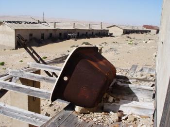 Kolmanskop by Damien du Toit