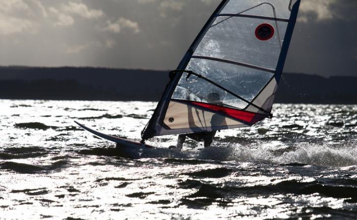 Windsurfing by Piotr Jaczewski