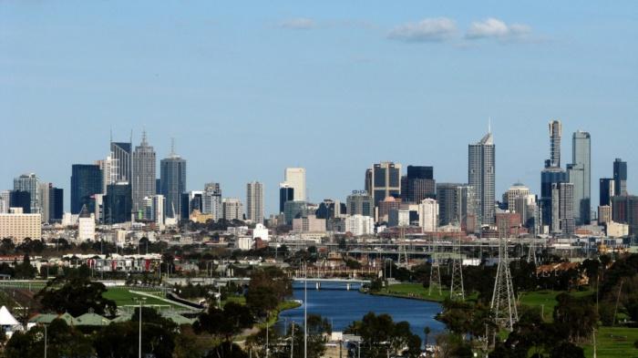 Melbourne skyline by Klomiz