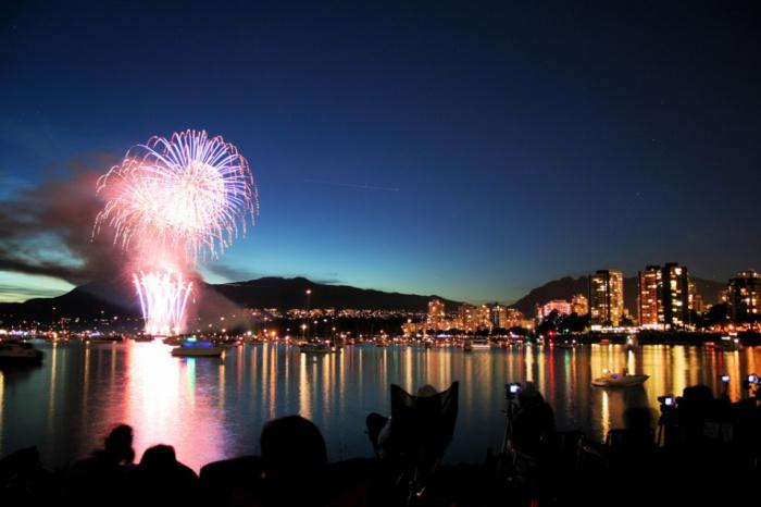 Vancouver Fireworks by Jon Rawlinson