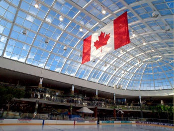 West Edmonton Mall by arnas Sarunas Burdulis