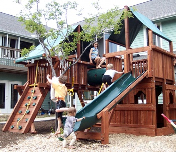 Cohousing playground by Wikimedia Commons