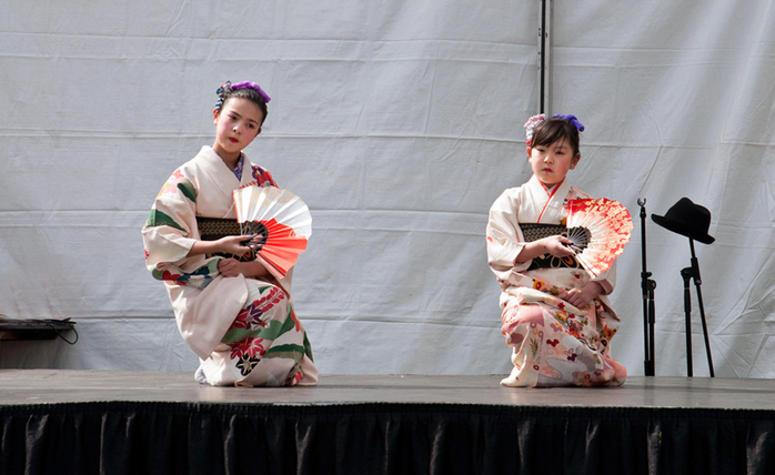 Girls performing at Japanese fair Sakura Days