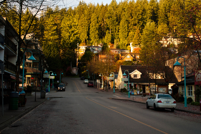 Main shopping strip Deep Cove Road