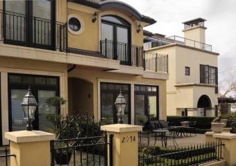 Kitsilano: Green Home with Abundance of Parks