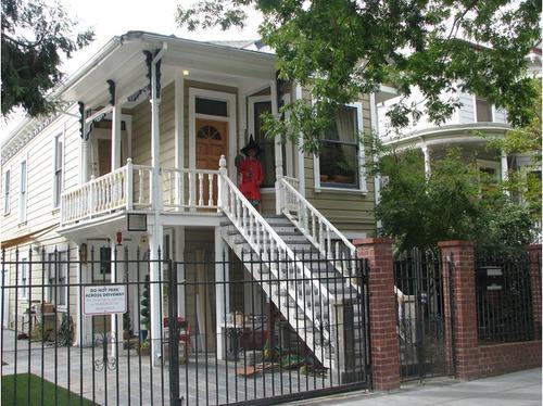 Dorotha Puentes House in Sacramento by vtourist com