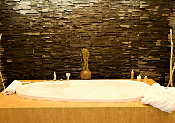 West Coast Waterfall Hydrotherapy Room at Absolute Spa