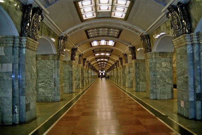 Kirovsky Zavod Station by Wikipedia