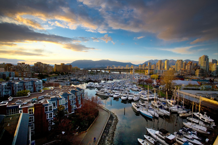 Vancouver by Kenny Loeui