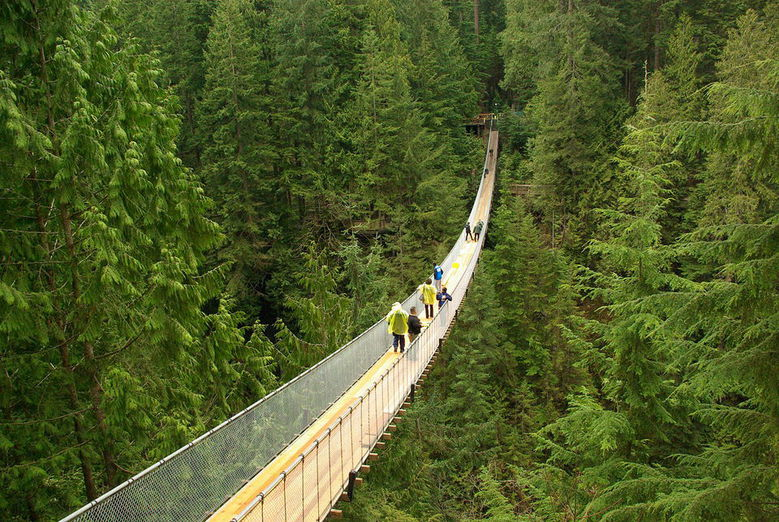 1280px Capilano suspension bridge a