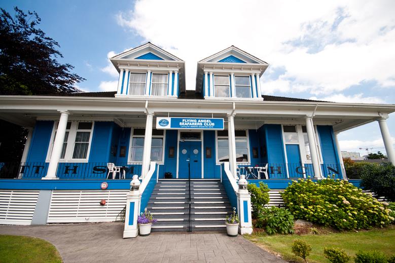 02 Seafaers Club