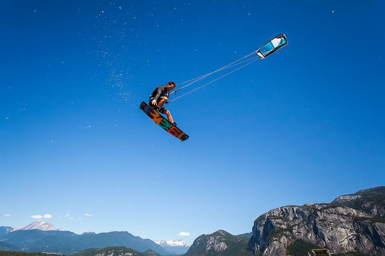 Big Air Competition by Nicolas Hesson