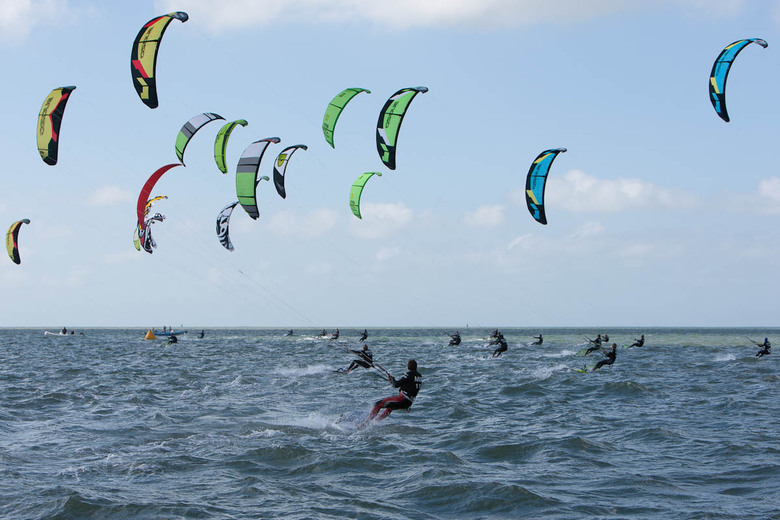 Kitesurfers by Kitesurf Tour Europe