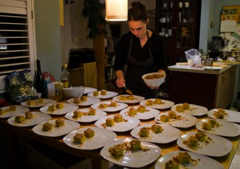 2a-Swallow-Tail-Restaurant-Chef-Brooke-Lodge-preparing-dessert