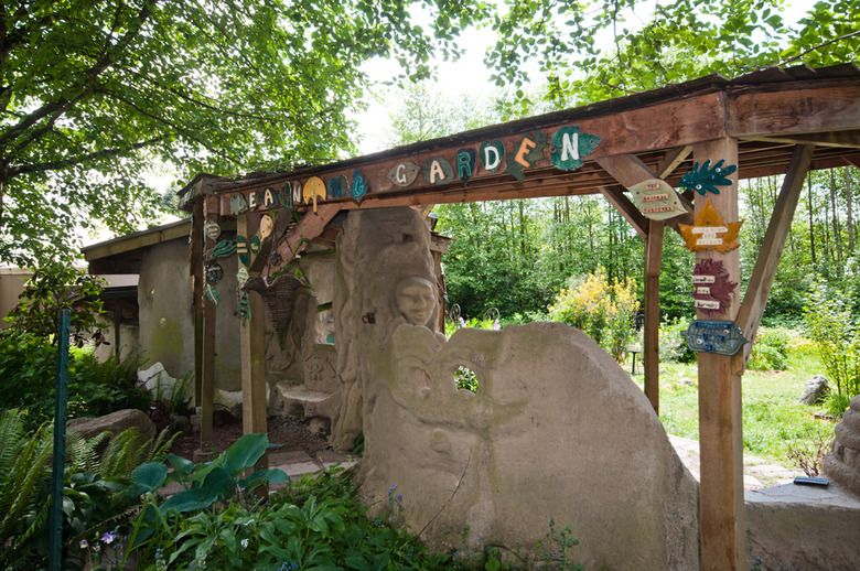 8 The Learning Garden
