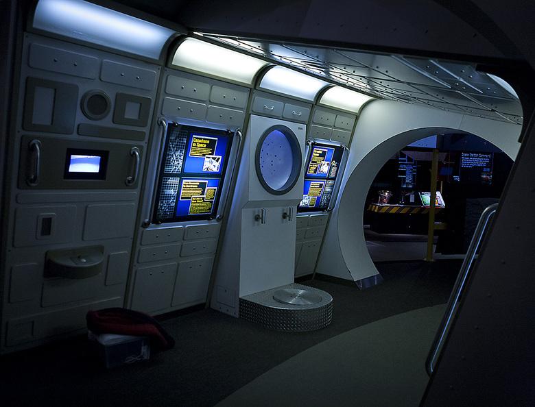 14 HR MacMillan Space Centre