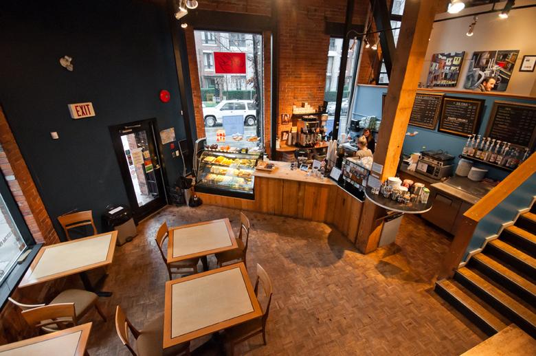 2 Buzz Cafe