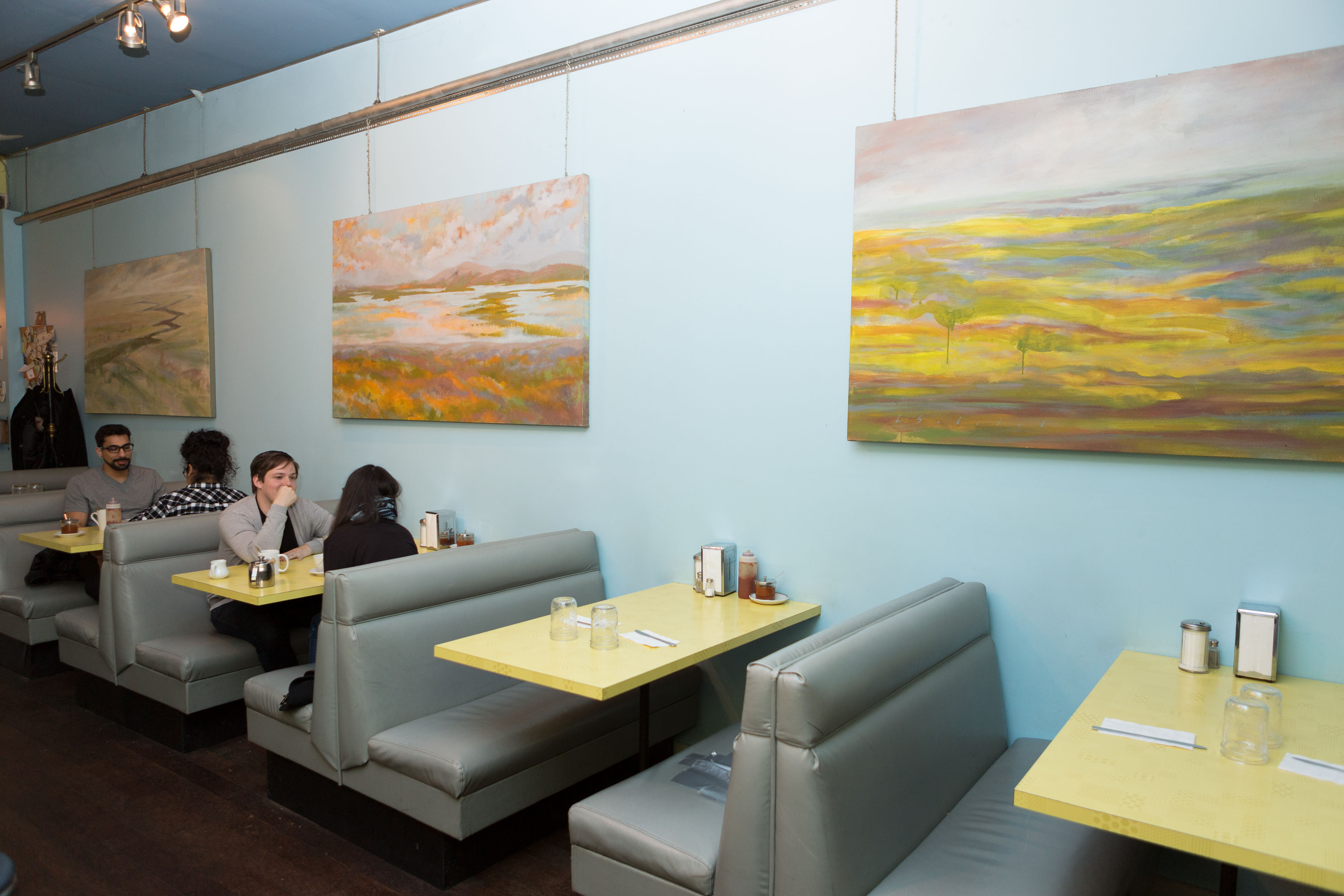 Vancouver Restaurants With the Longest Tradition: Roundel Cafe ...