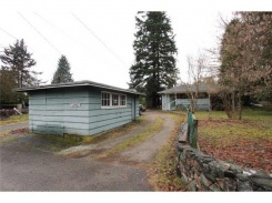 21952 LOUGHEED HIGHWAY - Maple Ridge - West Central