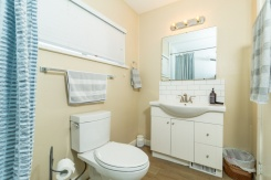902 WENTWORTH AVENUE - North Vancouver Central - Forest Hills NV
