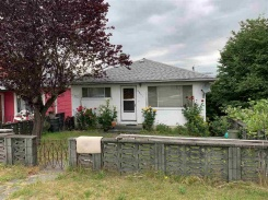 2851 E 15TH AVENUE - Vancouver East - Renfrew VE