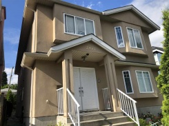 2957 E BROADWAY - Vancouver East - Renfrew VE