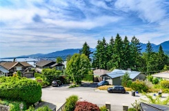 418 N SPRINGER AVENUE - Burnaby North - Capitol Hill BN