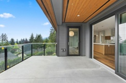 291 MONTERAY AVENUE - North Vancouver Central - Upper Delbrook