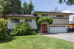 415 MONTERAY AVENUE - North Vancouver Central - Upper Delbrook