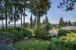 415 MONTERAY AVENUE - North Vancouver Central - Upper Delbrook