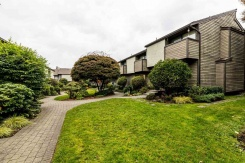 13 220 E 11TH STREET - North Vancouver Central - Central Lonsdale