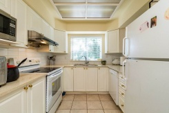 5 4238 BOND STREET - Burnaby South - Central Park BS
