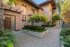 407 2575 GARDEN COURT - West Vancouver Howe Sound - Whitby Estates