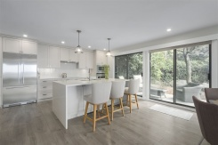 41 2216 FOLKESTONE WAY - West Vancouver Central - Panorama Village