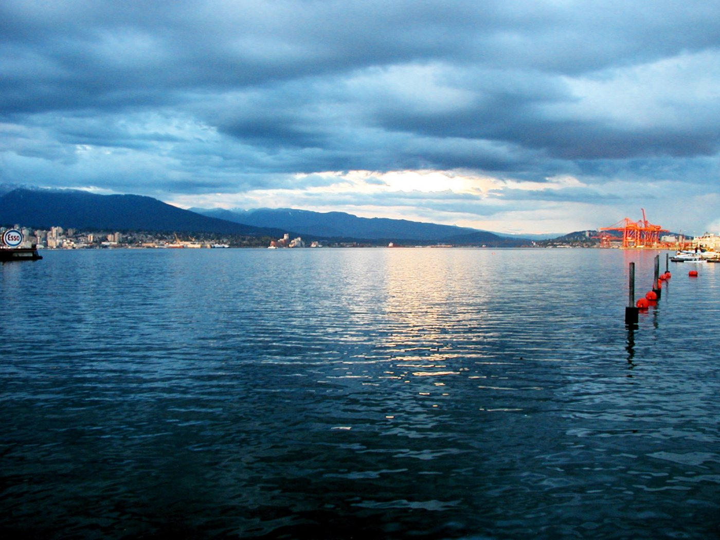 Vancouver water sunset from Coal Harbour