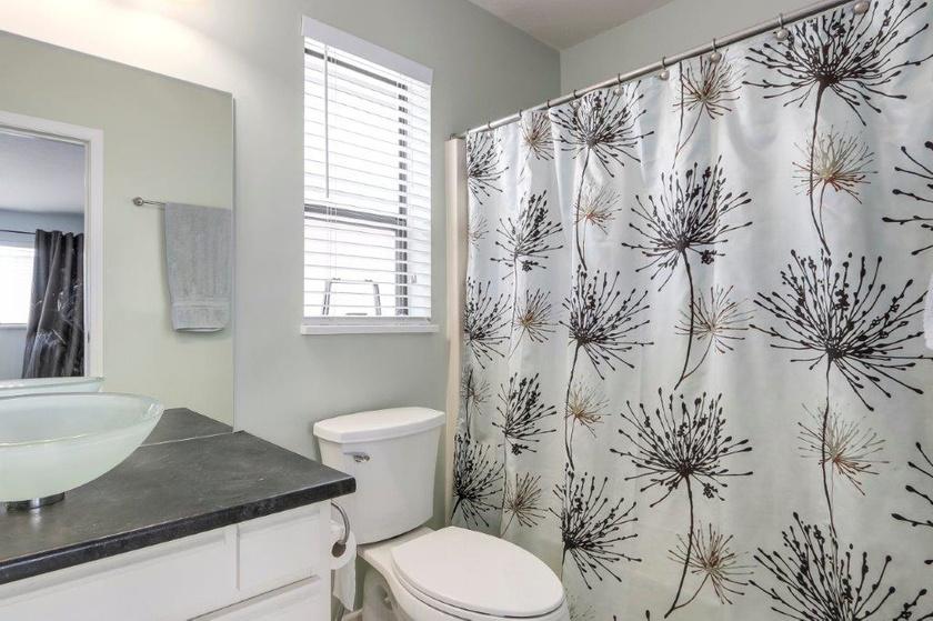 master bedroom ensuite bath   3151 chatham st