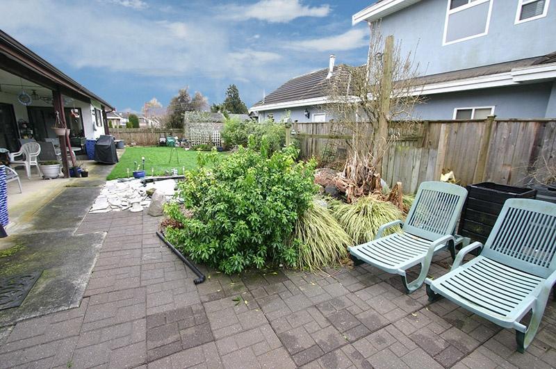 3320 barmond   backyard