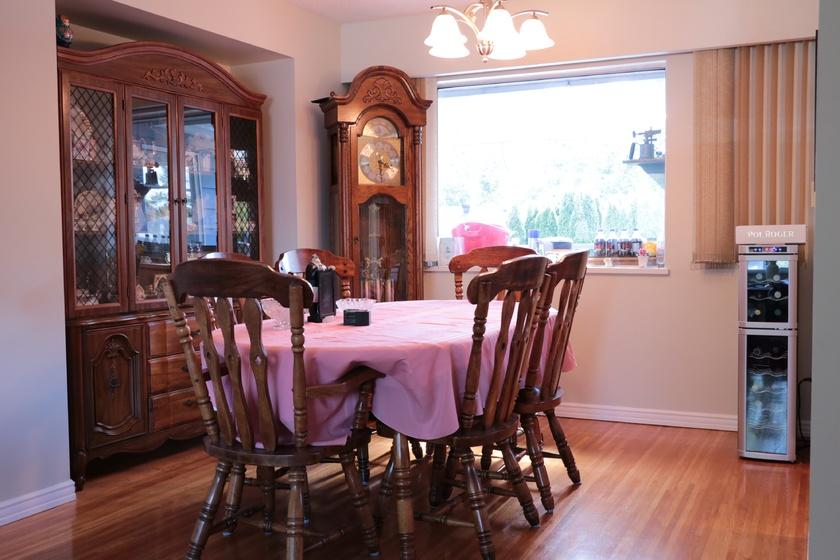 dining room   3460 trumond ave