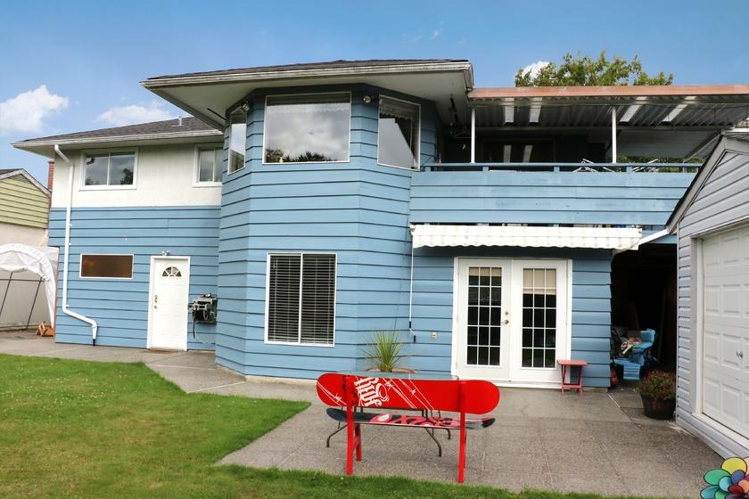 patio   3460 trumond ave