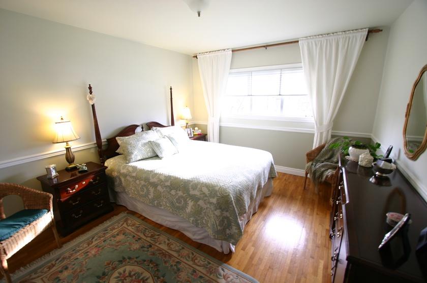 2   3811 barmond ave   master bedroom