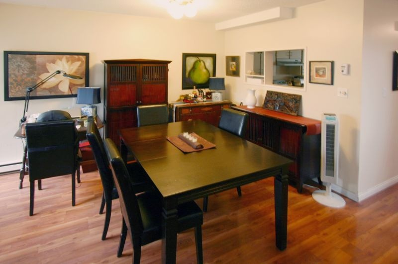 4531 cabot   dining room