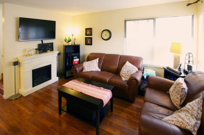 4531 cabot   living room