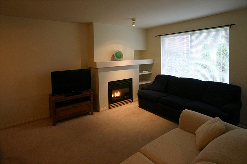 living room   50 7088 lynnwood