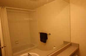 second bath   50 7088 lynnwood dr
