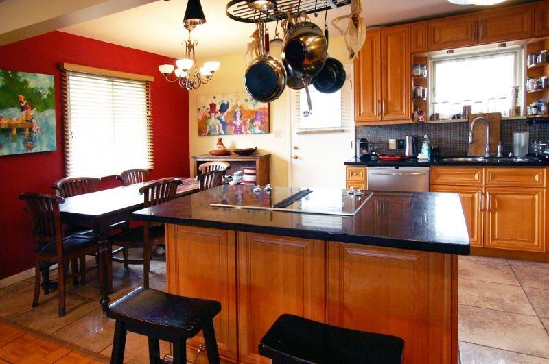 kitchen & dining areas