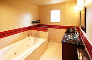 main bath & sinks