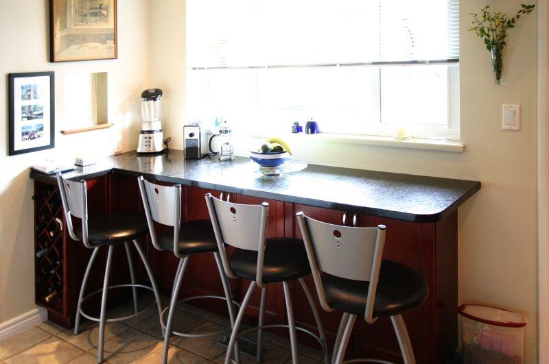 kitchen eating bar   8820 fairdell cr