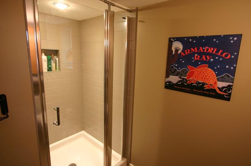 second bath   9171 chapmond cres